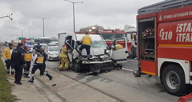 TEM Otoyolu Hadımköy Gişeler'de kaza: 1 ölü, 2 yaralı