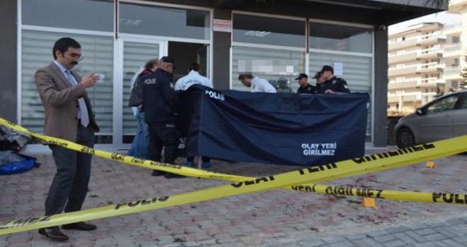 İnşaat firması sahibi iş yerinde öldürüldü, sekreteri yaralı