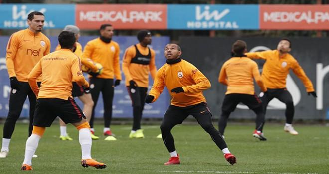 Galatasaray'da Rodrigues ve Sinan Gümüş takımla çalıştı