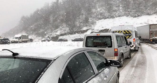 Hakkari'de 24 köy ve 59 mezra yolu ulaşıma kapandı