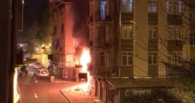 İş yeri alev alev yandı, mahsur kalan 10 kişiyi itfaiye kurtardı