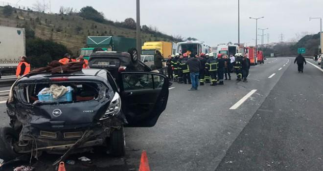 Kocaeli'de TEM'de kaza; İstanbul yönü ulaşıma kapandı
