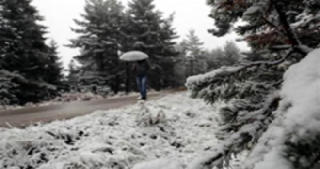Uludağ'a mevsimin ilk karı yağdı!