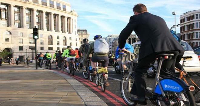O şehirde işe bisikletle gidene para ödenecek