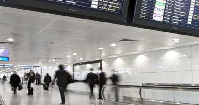Milas'ta pist ışıklarındaki arıza nedeniyle uçak seferleri aksadı