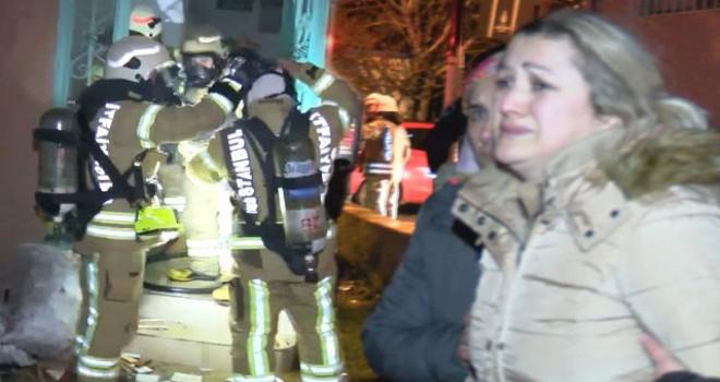 Ümraniye'de çatı yangını, vatandaşları korkuttu