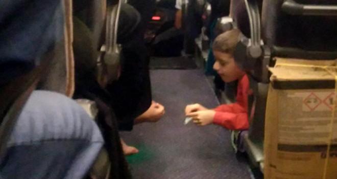 Çocukların 'koltuk altı' otobüs yolculuğu