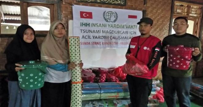 İHH'dan tsunaminin vurduğu Endonezya'ya yardım