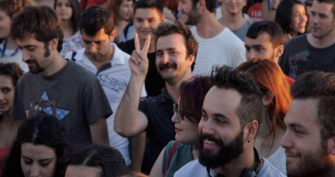 İzmir'de gözaltına alınan sendikacı Yazıcı: Geride serbest kalmamıza dahi sevinemememizin hüznü kaldı