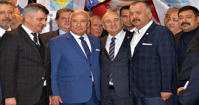 Mersin'de, MHP'den istifa eden başkanvekili ve meclis üyeleri İYİ Parti'ye geçti