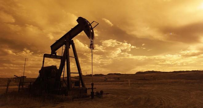 Petol fiyatları OPEC'in üretim kısıtlayacağı umuduyla yükseldi