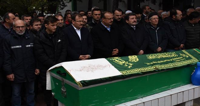 Hakan Çavuşoğlu'nun kayınpederi son yolculuğuna...