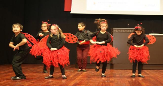 Engelli çocuklar Kağıthane'de performans sergiledi