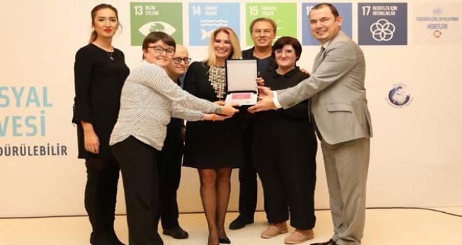 Sabiha Gökçen'e kurumsal sosyal sorumluluk ödülü