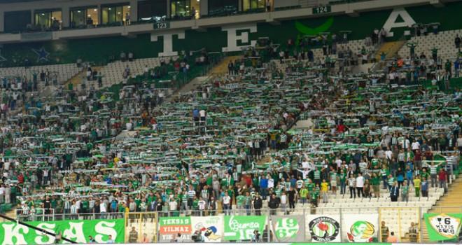 Bursaspor'u taraftarı yalnız bırakmadı