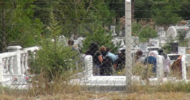 Çorum'da öldürülen DHKP-C'linin köy mezarlığına...