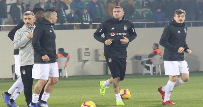 Beşiktaş taraftarından Burak'a şok tezahürat