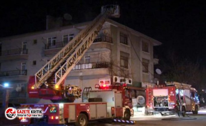 Ankara'da apartman çatısında çıkan yangın...