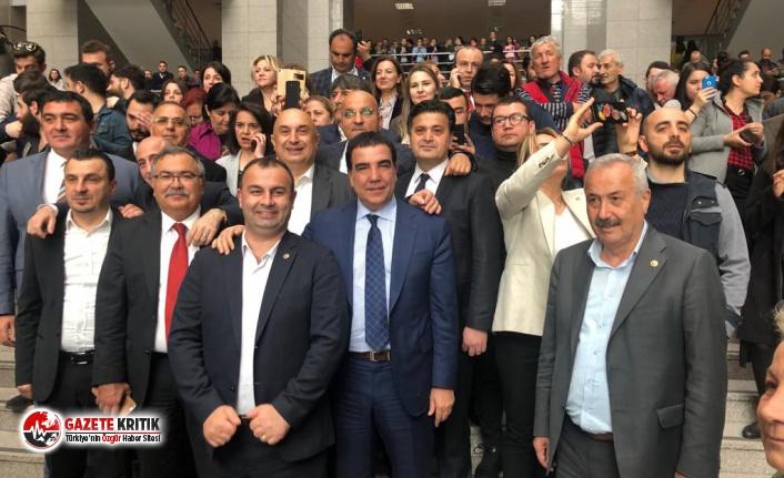 Ekrem İmamoğlu'nu Çağlayan Adliyesi'nde CHP'liler karşıladı