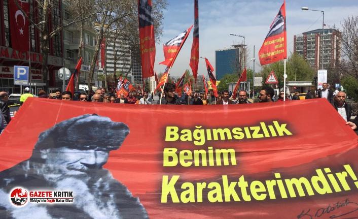 Kalpaklı Mustafa Kemal pankartı Anıtkabir'e yine alınmadı!