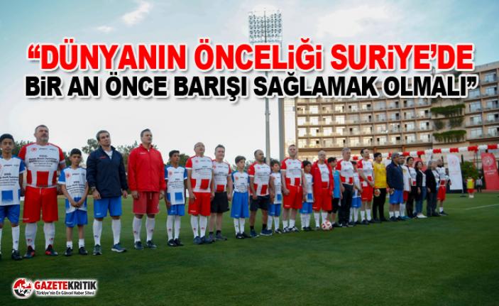 NATO üyesi milletvekilleri Suriyeli ve Türk çocuklarla...