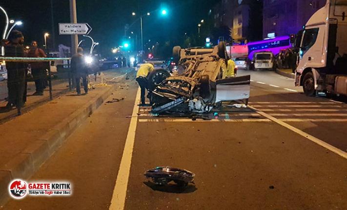 Otomobil, otoparktan çıkan cipe çarptı: 2 ölü,...