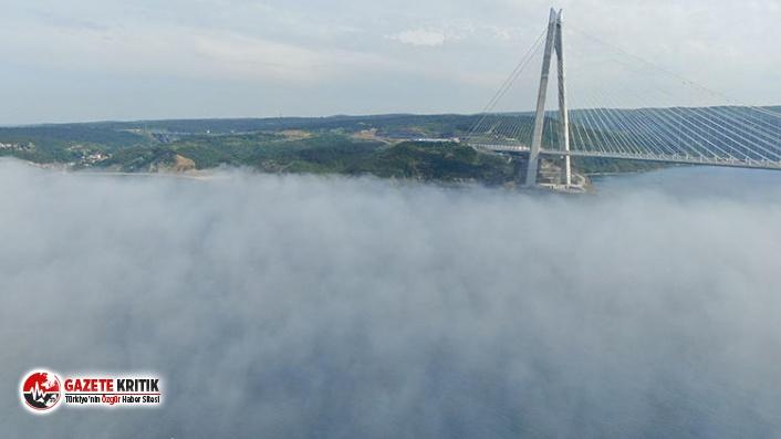 Boğaz'a sis çöktü; Kartpostallık görüntü...