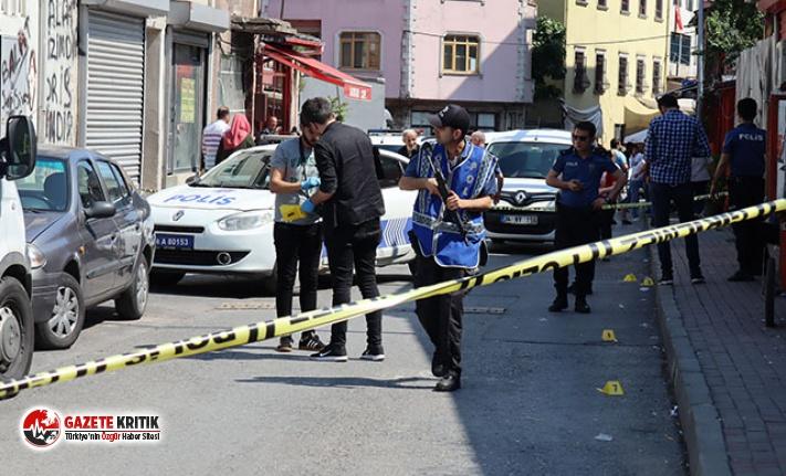 Fatih'te silahlı kavga: 1'i ağır 3 kişi...