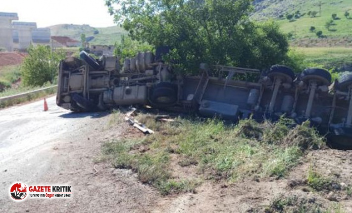 Şarampole devrilen tankerin sürücüsü yaralandı