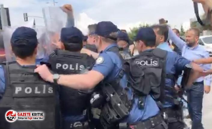 Polis, Çorlu tren katliamında yakınlarını kaybeden...