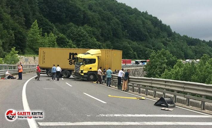TIR'lar kaza yaptı, Bursa- Ankara yolu çift...