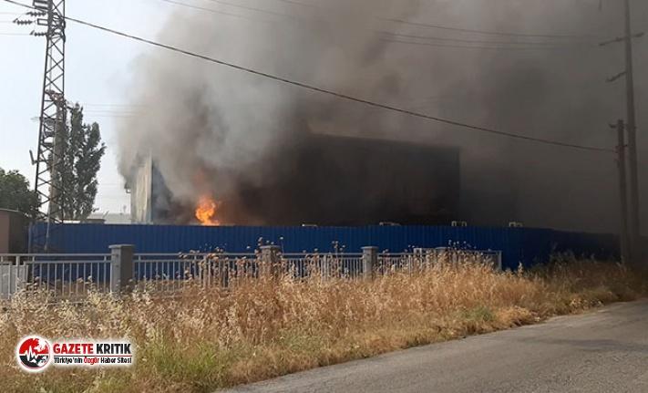 Torbalı'da geri dönüşüm fabrikasında yangın