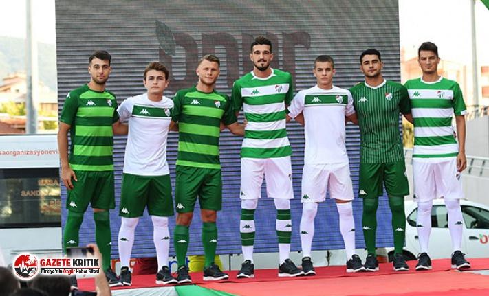 Bursaspor, yeni sezon formalarını tanıttı