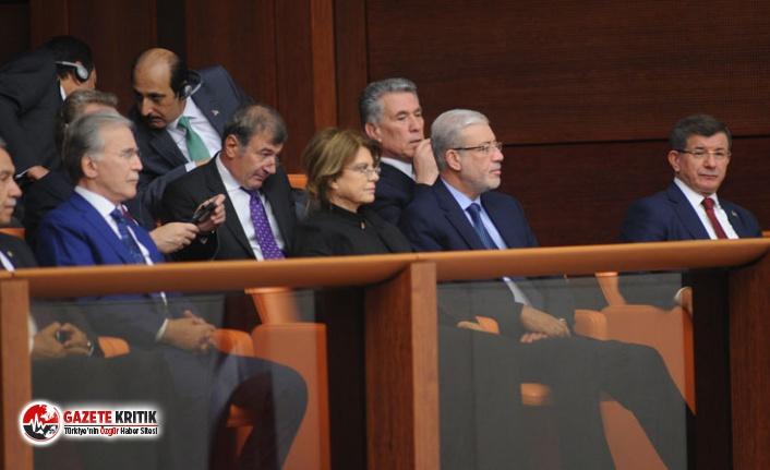 Meclis'teki 15 Temmuz özel oturumuna Ahmet Davutoğlu da katıldı