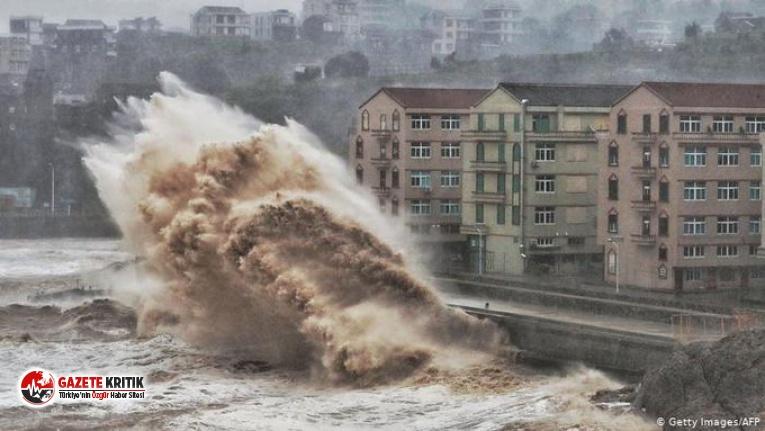 Lekima Tayfunu Çin'e yöneldi:13 kişi öldü,...