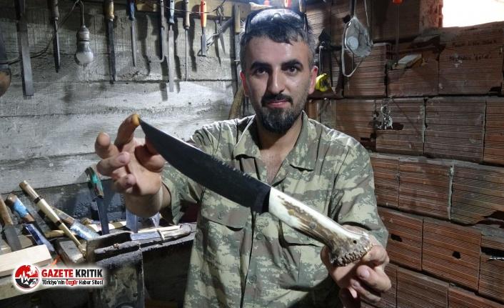 2 metrekarelik bodrumda bıçak üretip, dünyaya...