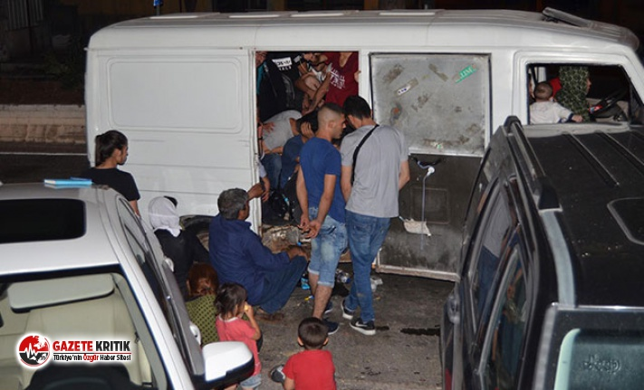 'Dur' ihtarına uymayan minibüsten 35 kaçak göçmen çıktı