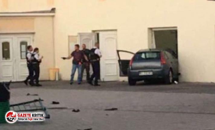 Fransa'da camiye araba çarptı