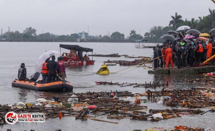 Hindistan'da turistik gezi teknesi battı: 12 kişi öldü, 35 kişi kayıp