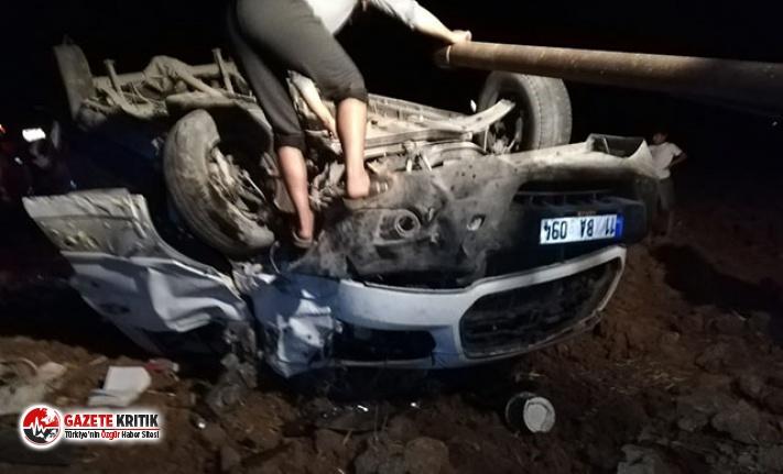 Lastiği patlayan minibüs, şarampole devrildi: 5...