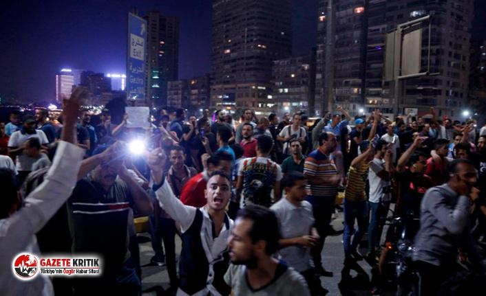 """Mısır'da darbe hükûmetine karşı eylemler ikinci gece de devam etti : """"Sisi Allah'ın düşmanıdır"""""""