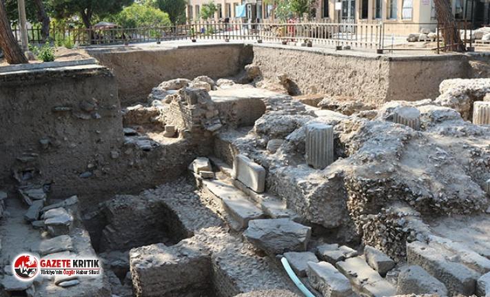 Thyateira kazılarında tapınak ve 67 mezar ortaya...