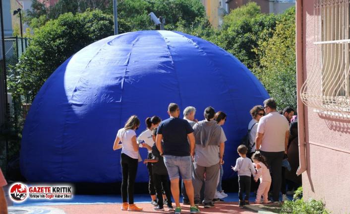 Masal Müzesi'nde Kurulan Uzay Çadırına Büyük...