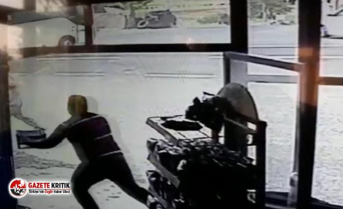 Şanlıurfa'da askeri midibüs ile tır çarpıştı:...
