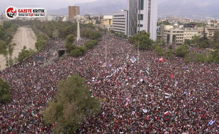 Ülke Tarihinin En Büyük Protestosuna Rekor Katılım