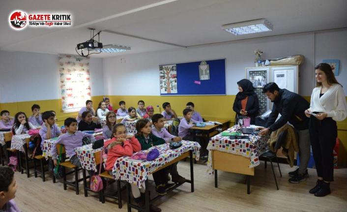 Avcılar'da Öğrencilere Yönelik Seminer Başladı