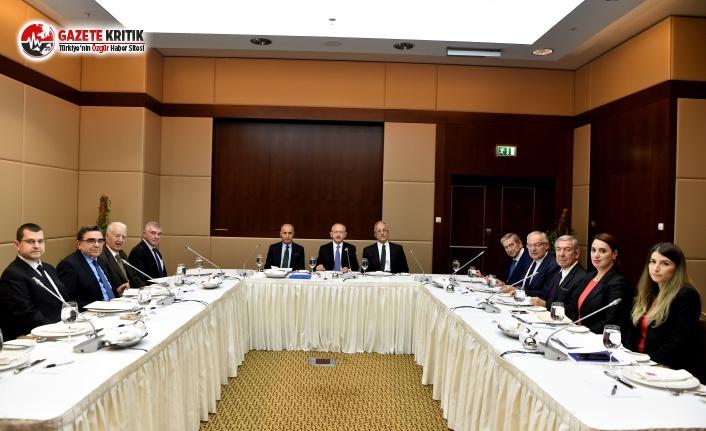 Kılıçdaroğlu, CHP Dış Politakalar Kurulu'nun Toplantısına Başkanlık Etti