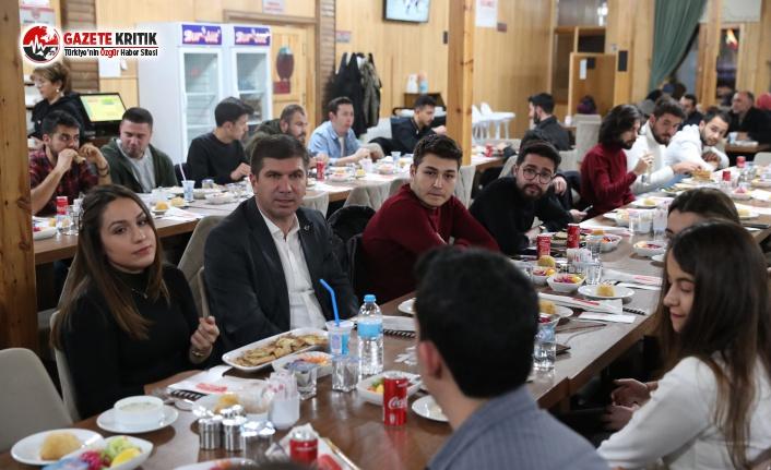 Başkan Ercengiz, MAKÜ Öğrenci Toplulukları Başkanlarıyla Buluştu