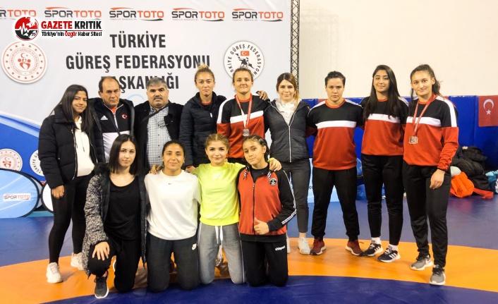Burdur Belediye Spor Güreş Takımı Ödüle Doymuyor