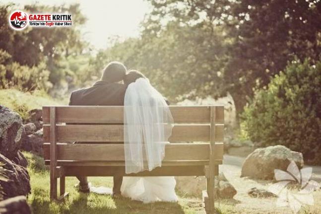 Çift, Henüz Düğün Sürerken Ayrılmaya Karar...